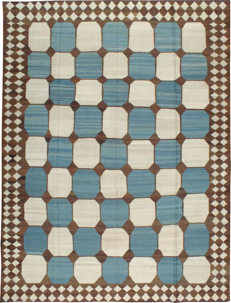 Modern Persian Kilim Room Size Rug, No.17825 - Galerie Shabab