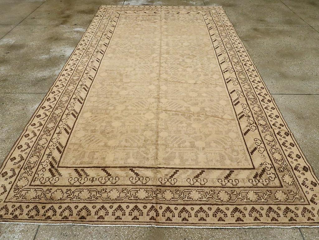 Vintage East Turkestan Khotan Carpet, No.18439 - Galerie Shabab