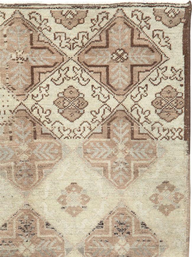 Vintage Turkish Anatolian Rug, No.18612 - Galerie Shabab