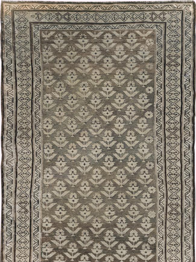 Vintage Persian Kurdish Runner, No.22128 - Galerie Shabab