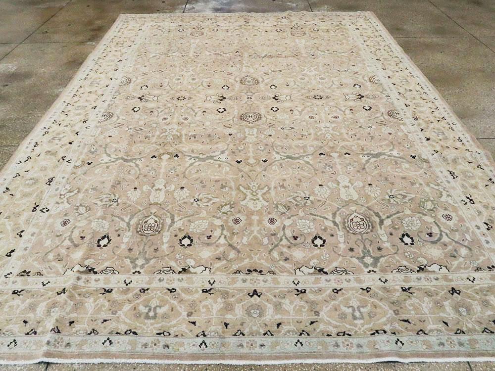 Antique Persian Tabriz Carpet, No.22960 - Galerie Shabab