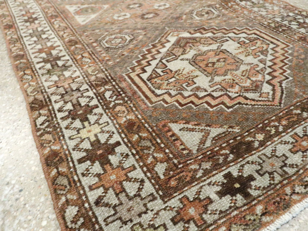 Vintage Persian Malayer Runner, No.23037 - Galerie Shabab