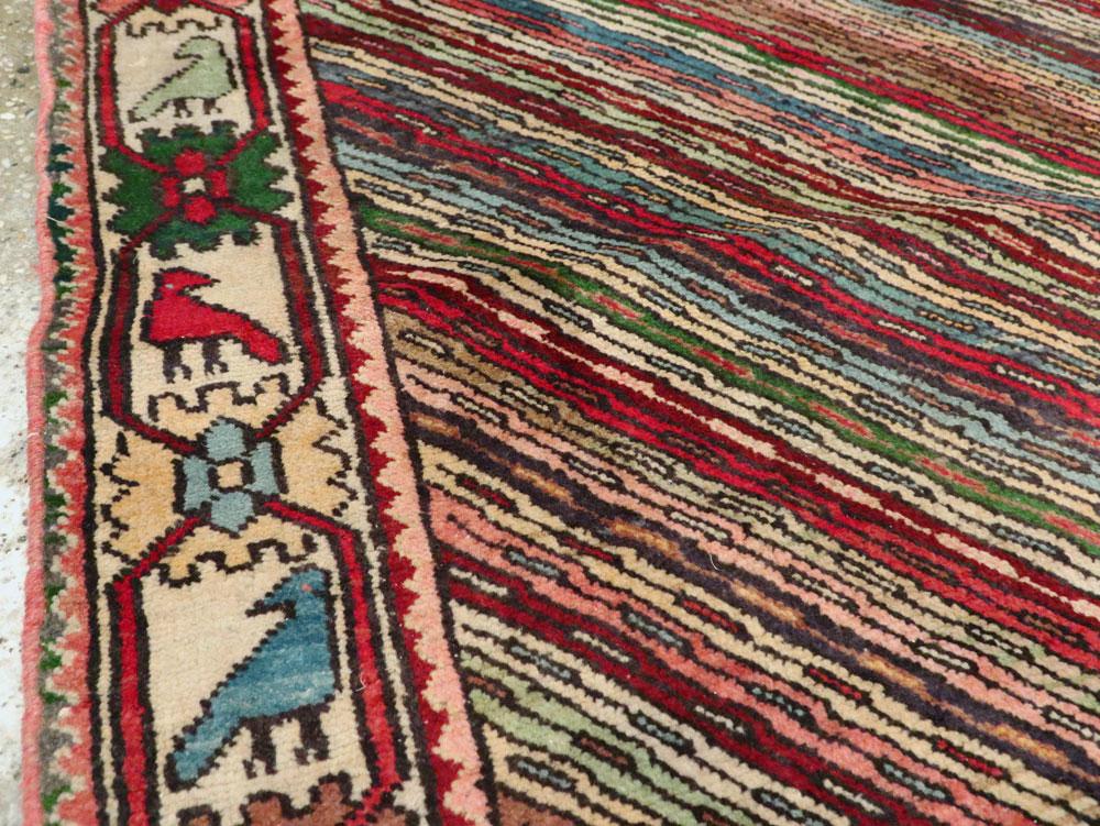 Vintage Persian Shiraz Rug, No.25379 - Galerie Shabab
