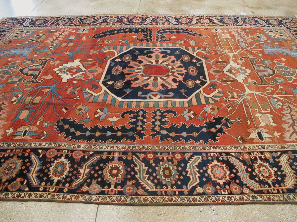 Antique Persian Serapi Rug, No.26975 - Galerie Shabab