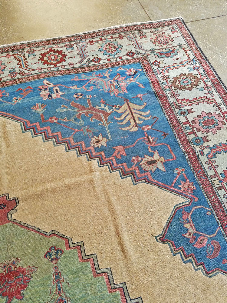 Antique Persian Bakshaish Carpet No 8455