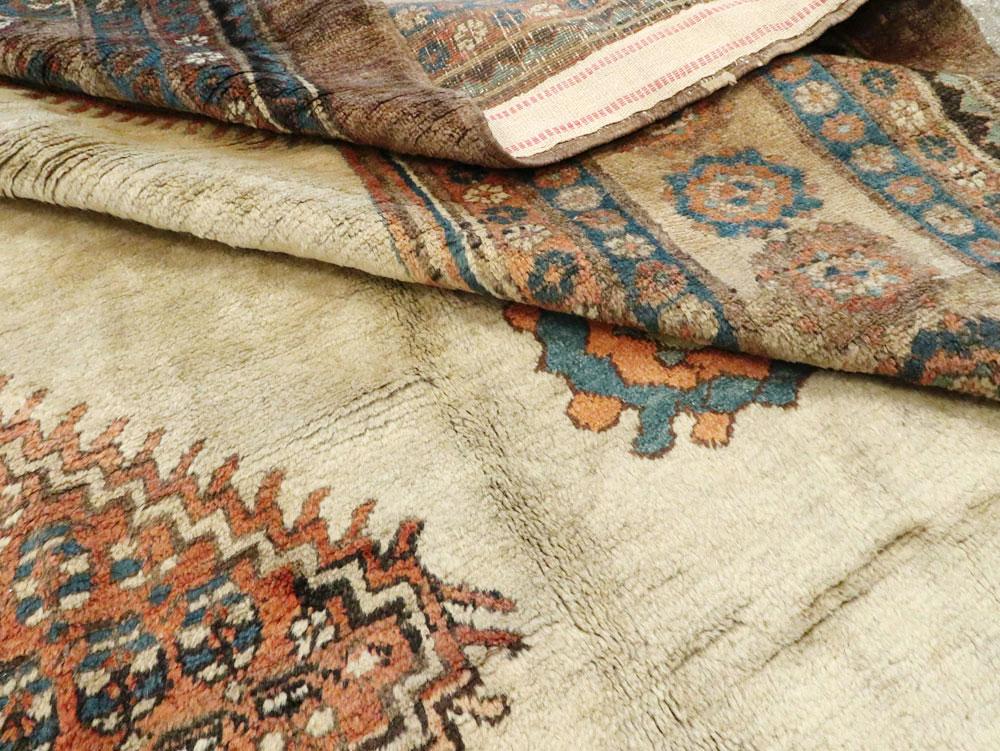 Antique Persian Bakshaish Carpet, No.8610 - Galerie Shabab