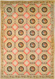 An English Needlepoint Carpet, No. 10328 - Galerie Shabab
