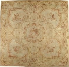 Antique Aubusson Square Carpet, No. 15514 - Galerie Shabab