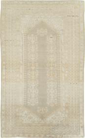 Antique Ghiordes Rug, No. 16105 - Galerie Shabab