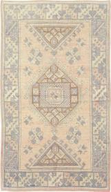 Antique Oushak Rug, No. 18315 - Galerie Shabab