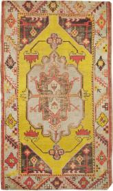 Antique Oushak Rug, No. 20341 - Galerie Shabab