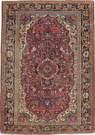 A Heriz Carpet, No. 8713 - Galerie Shabab