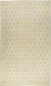 A Needlepoint Carpet, No. 8908 - Galerie Shabab